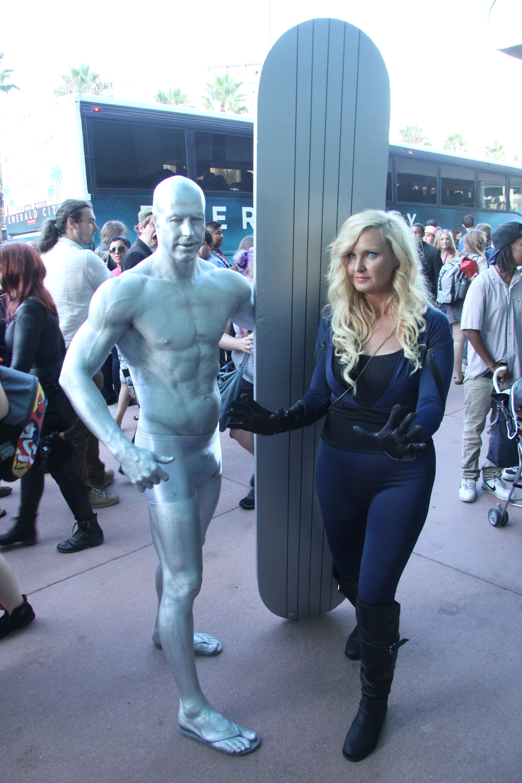 Comic-Con 2014: Cosplay - Sue Storm e Silver Surfer