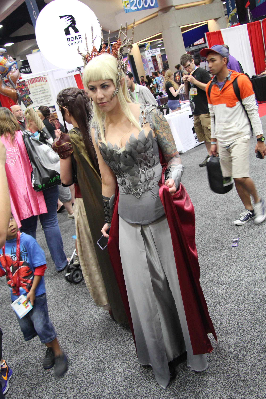Comic-Con 2014: Cosplay - un'Elfa regale