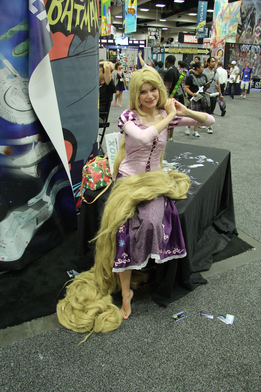 Comic-Con 2014: Cosplay - Rapunzel e la sua chioma dorata