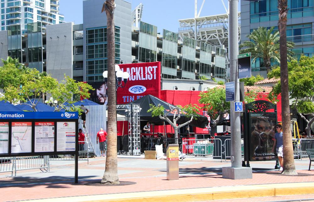 Comic-Con 2014: decorazione a tema The Blacklist nei luoghi del festival di San Diego