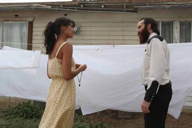The Bridge: Stephanie Sigman e Steven Linder nell'episodio The Acorn