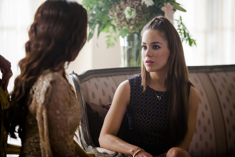 Dominion: Roxanne McKee e Shivani Ghai nell'episodio Black Eyes Blue