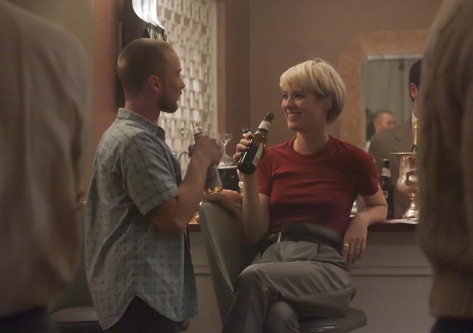Halt and Catch Fire: Mackenzie Davis in una scena dell'episodio Up Helly Aa