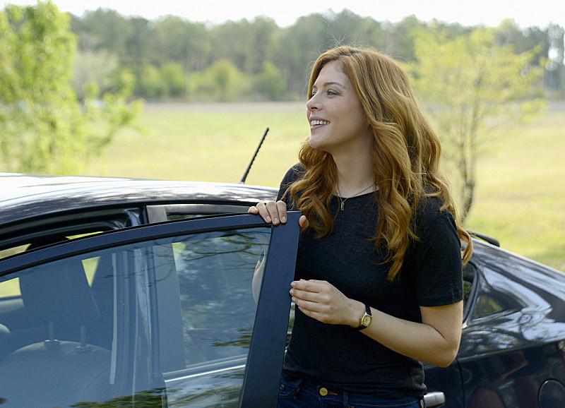 Under the Dome: un'immagine di Rachelle Lefevre nell'episodio Reconcilation