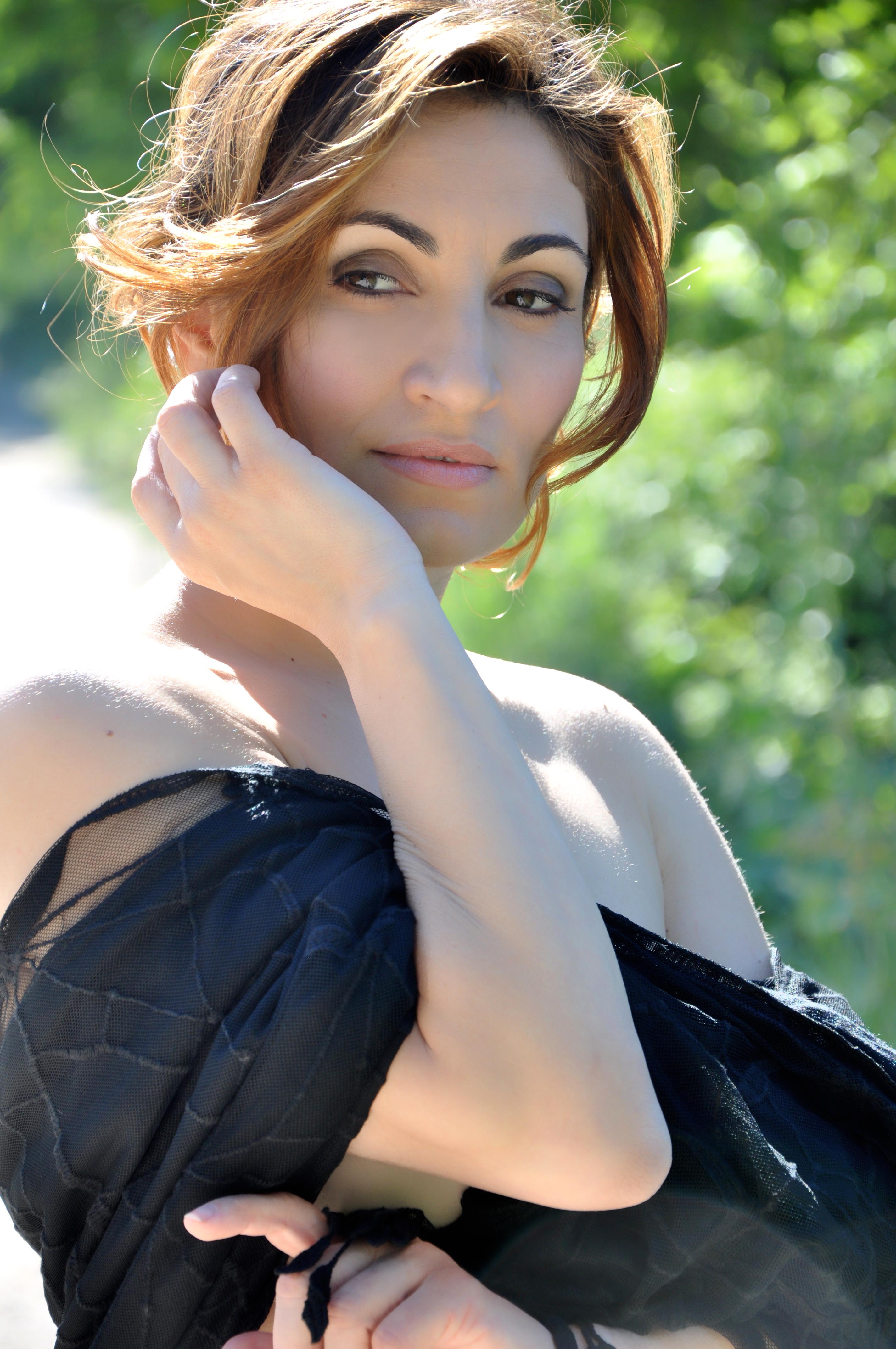 Paola Lavini naked 721