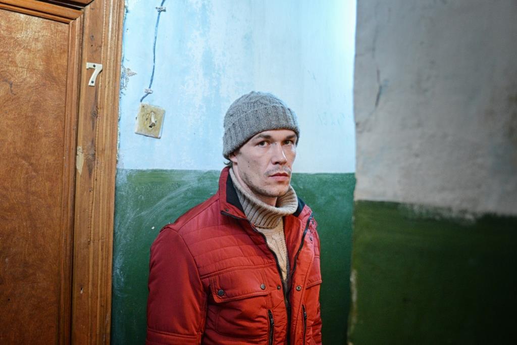 Artem Bystrov nei panni di Dima in una scena di The Fool