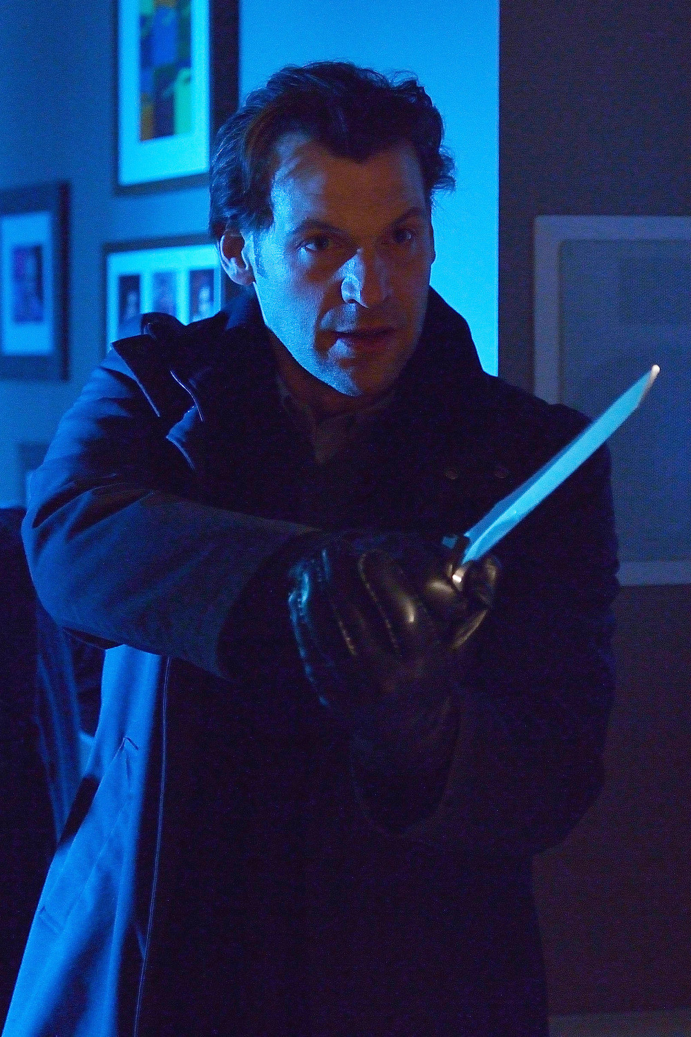 The Strain: Corey Stoll in una scena dell'episodio It's Not For Everyone