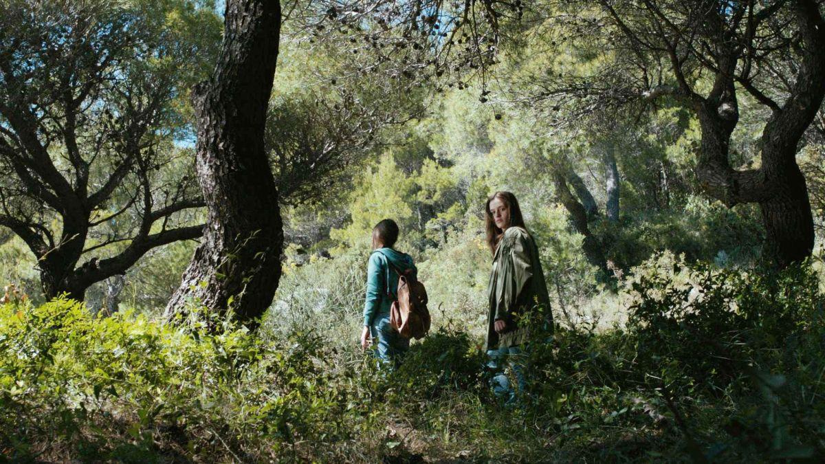 Cure: The Lif of Another, Linda e Eta in una scena del film drammatico