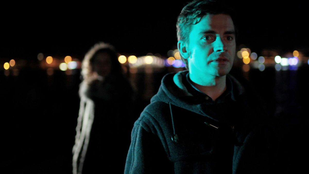 White Nights on the Pier: Pascal Cervo in una scena del film con Astrid Adverbe