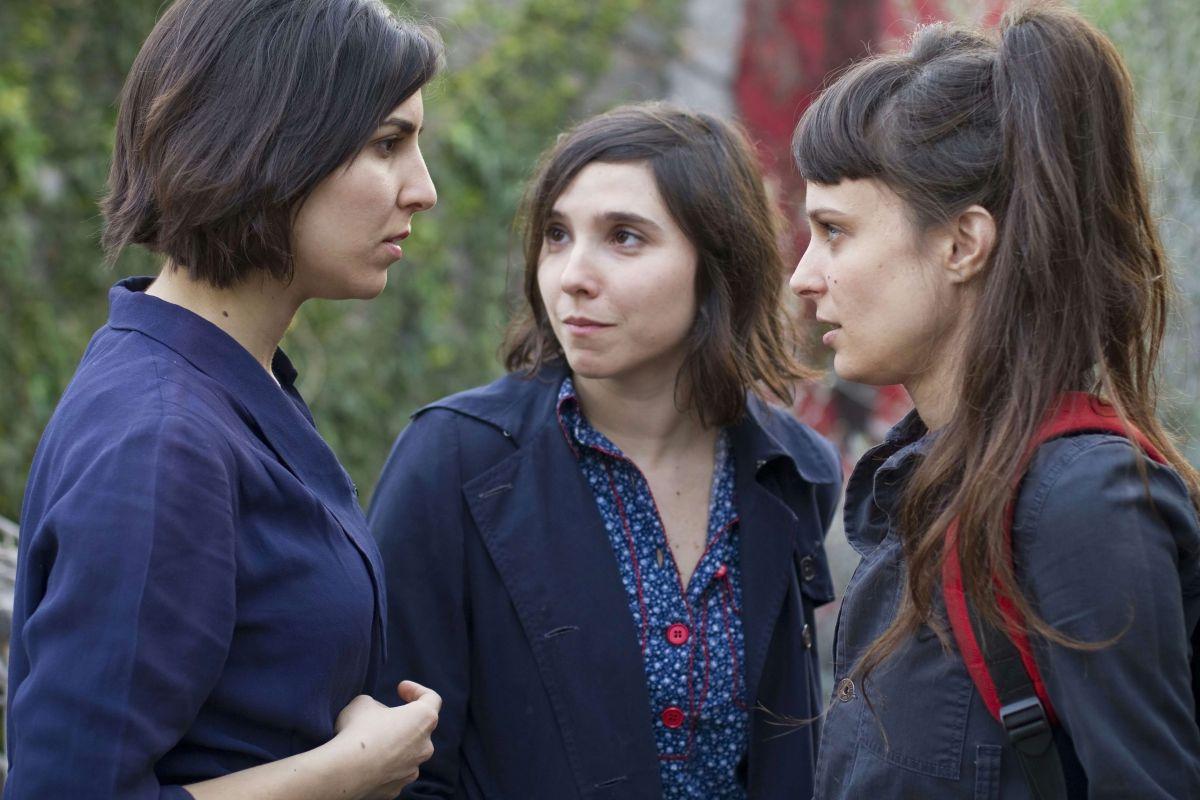 The Princess of France: Romina Paula con Laura Paredes e Agustina Muñoz in una scena del film