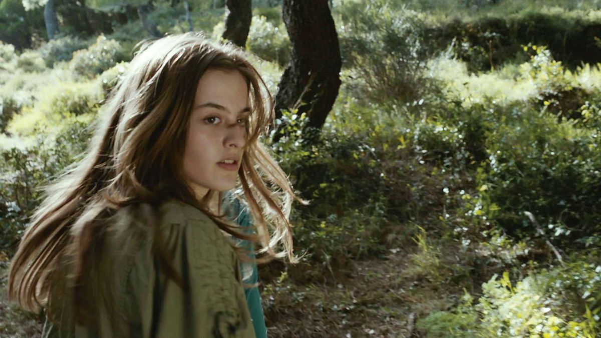 Cure: The Lif of Another, Sylvie Marinković in una scena del film drammatico