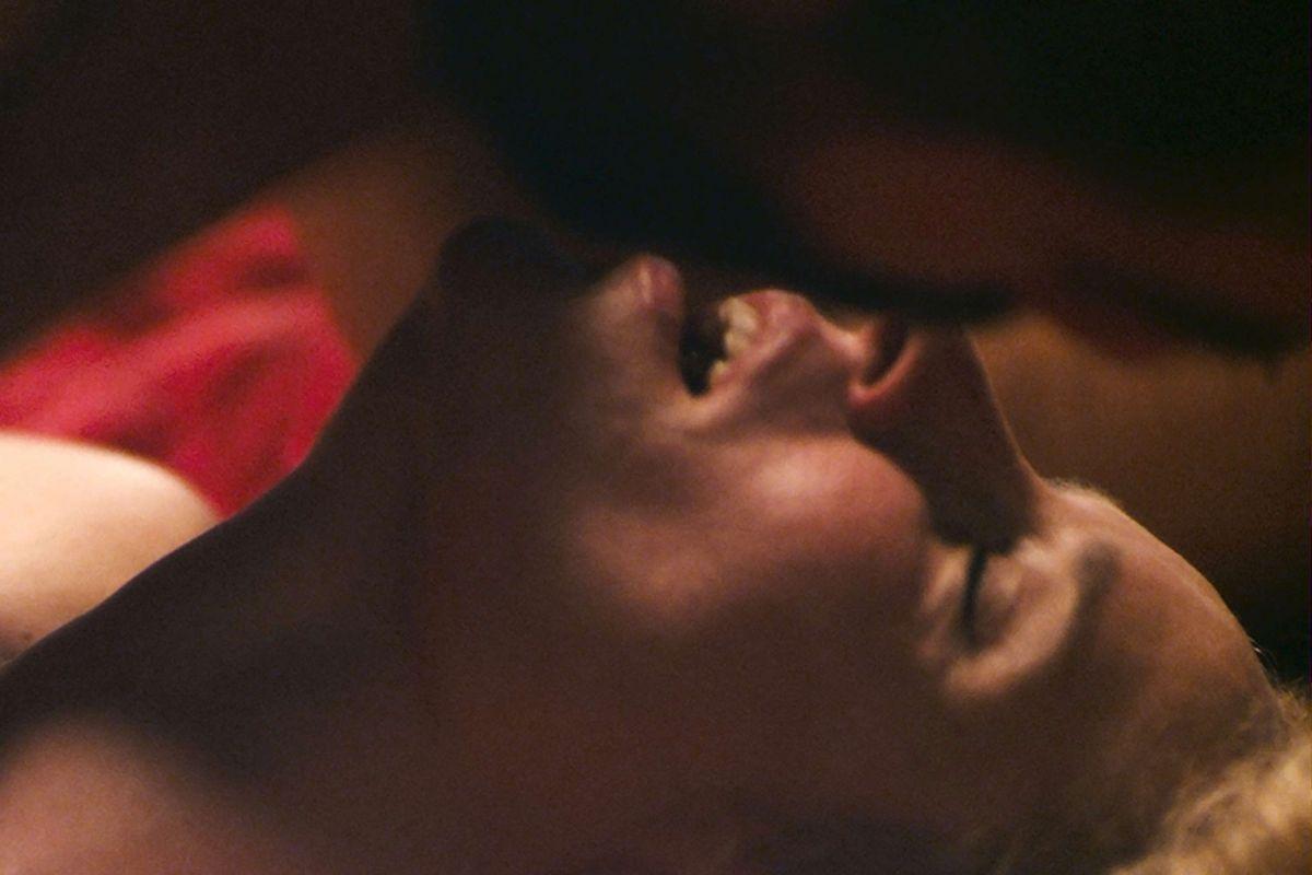 A Blast: Aggeliki Papoulia in una bollente scena del film