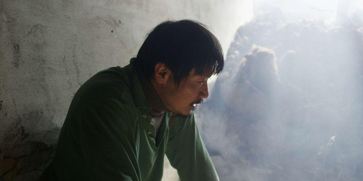 Alive: Park Jung-bum, regista e interprete del film, in una scena