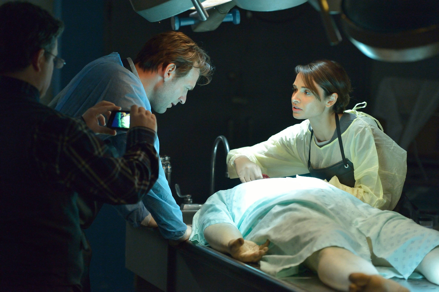 The Strain: Corey Stoll e Mia Maestro nell'episodio It's Not For Everyone