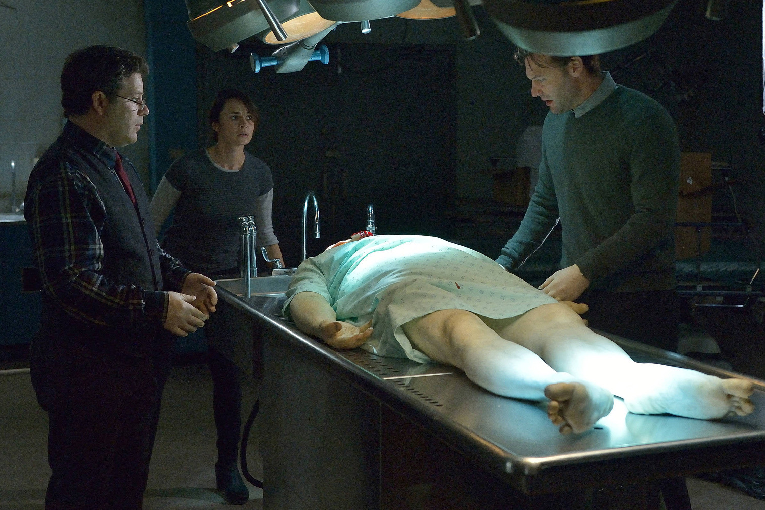 The Strain: Mia Maestro, Sean Astin e Corey Stoll nell'episodio It's Not For Everyone