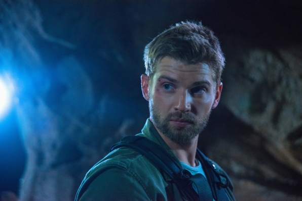 Under the Dome: Mike Vogel nell'episodio In the Dark