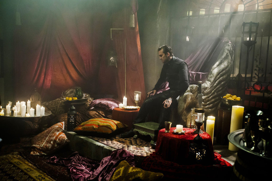 Dominion: Carl Beukes nell'episodio Ouroboros