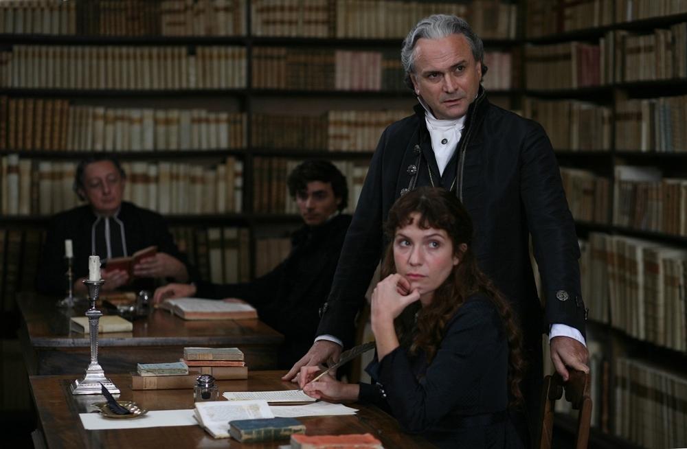 Il giovane favoloso: Isabella Ragonese con Massimo Popolizio in una scena del film