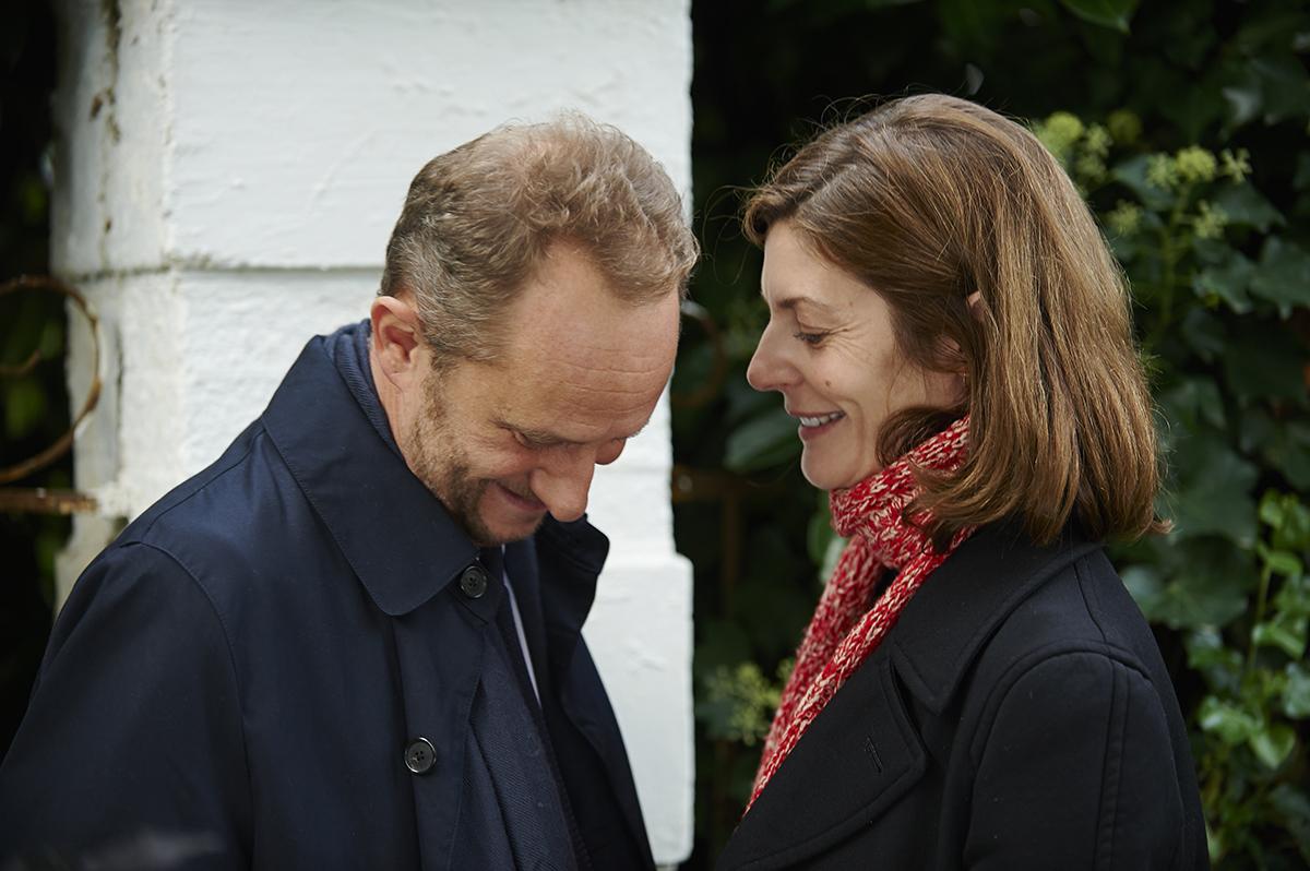 Tre cuori: Benoît Poelvoorde sorride in compagnia di Chiara Mastroianni