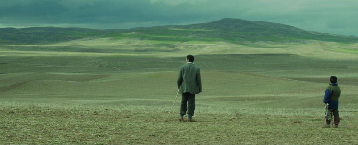 Sivas: la solitudine della brughiera dell'Anatolia in una scena del film