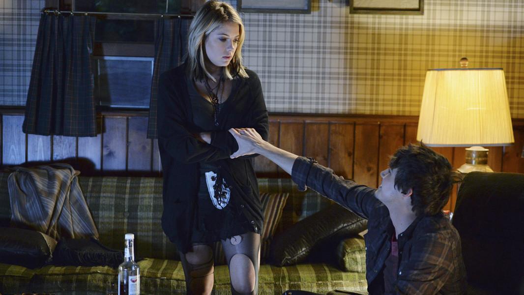 Pretty Little Liars: Tyle Blackburn e Ashley Benson nell'episodio Scream for Me