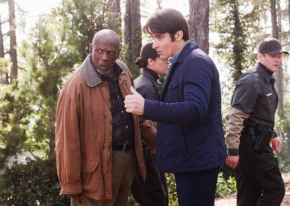 Extant: Goran Visnjic e Louis Gossett Jr. nell'episodio What on Earth Is Wrong?