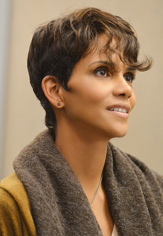 Extant: Halle Berry nell'episodio What on Earth Is Wrong?
