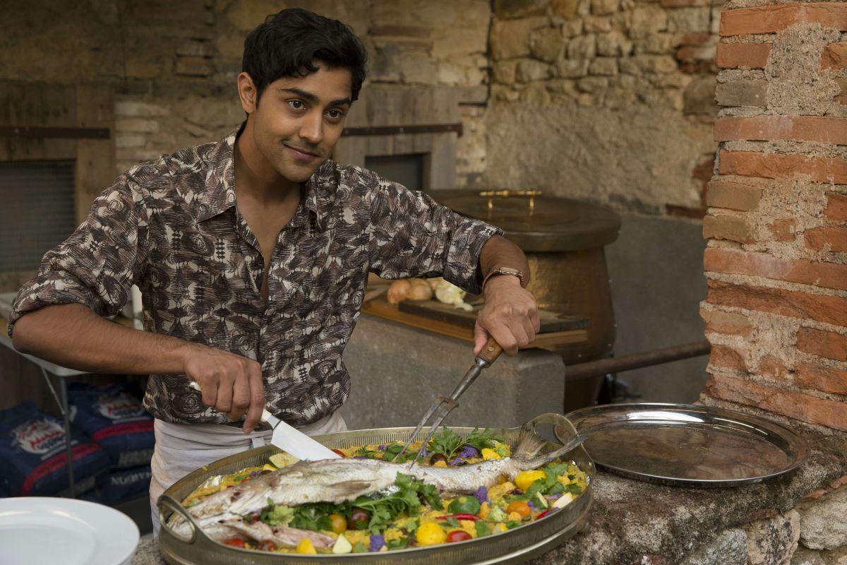 Amore, Cucina e... Curry: Manish Dayal nei panni del cuoco indiano Hassna in una scena del film