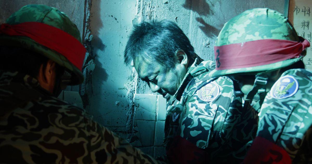 One on One: Ma Dong-seok, Capo delle Ombre, in una scena del film