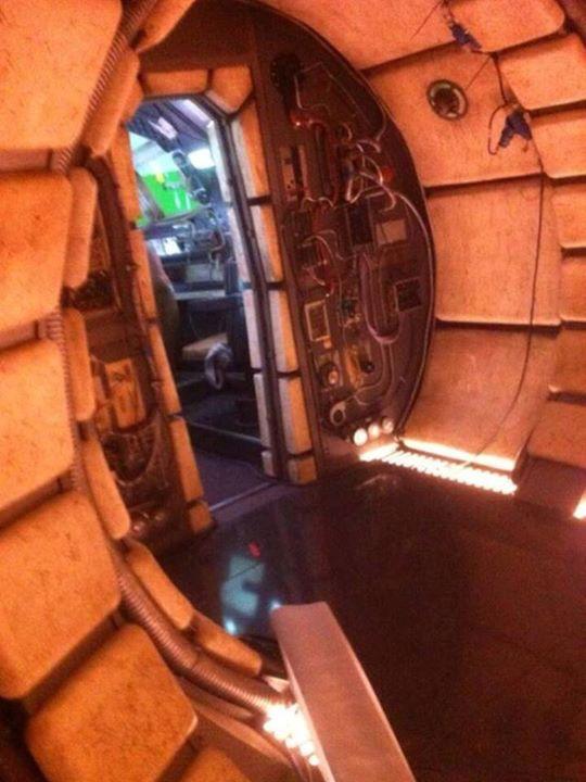 Star Wars Episode VII: un'immagine dal set degli interni del Millennium Falcon