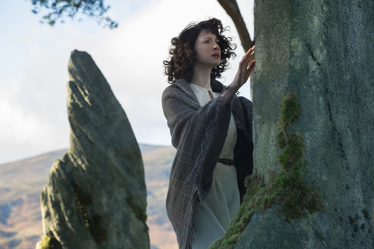 Outlander: Caitriona Balfe in un momento dell'episodio Sassenach