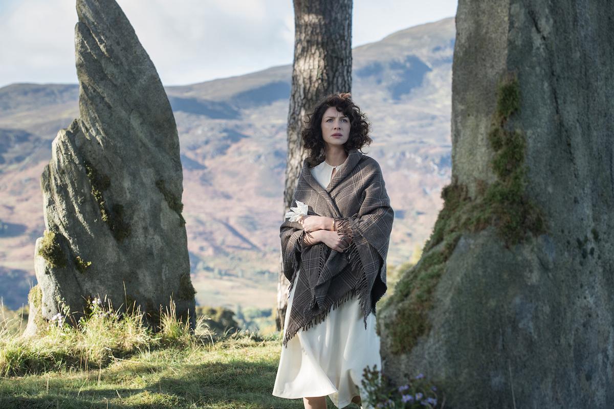 Outlander: un'immagine di Caitriona Balfe nell'episodio Sassenach