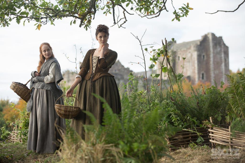 Outlander: Caitriona Balfe nell'episodio Sassenach