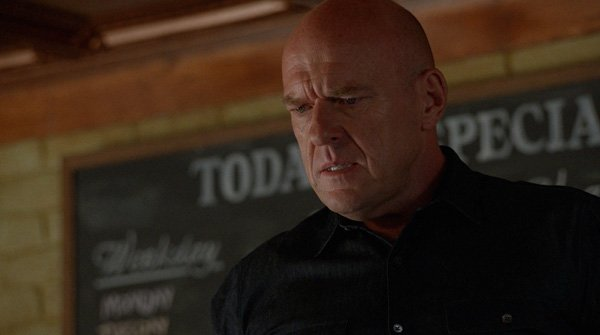 Under the Dome: Dean Norris nell'episodio Going Home