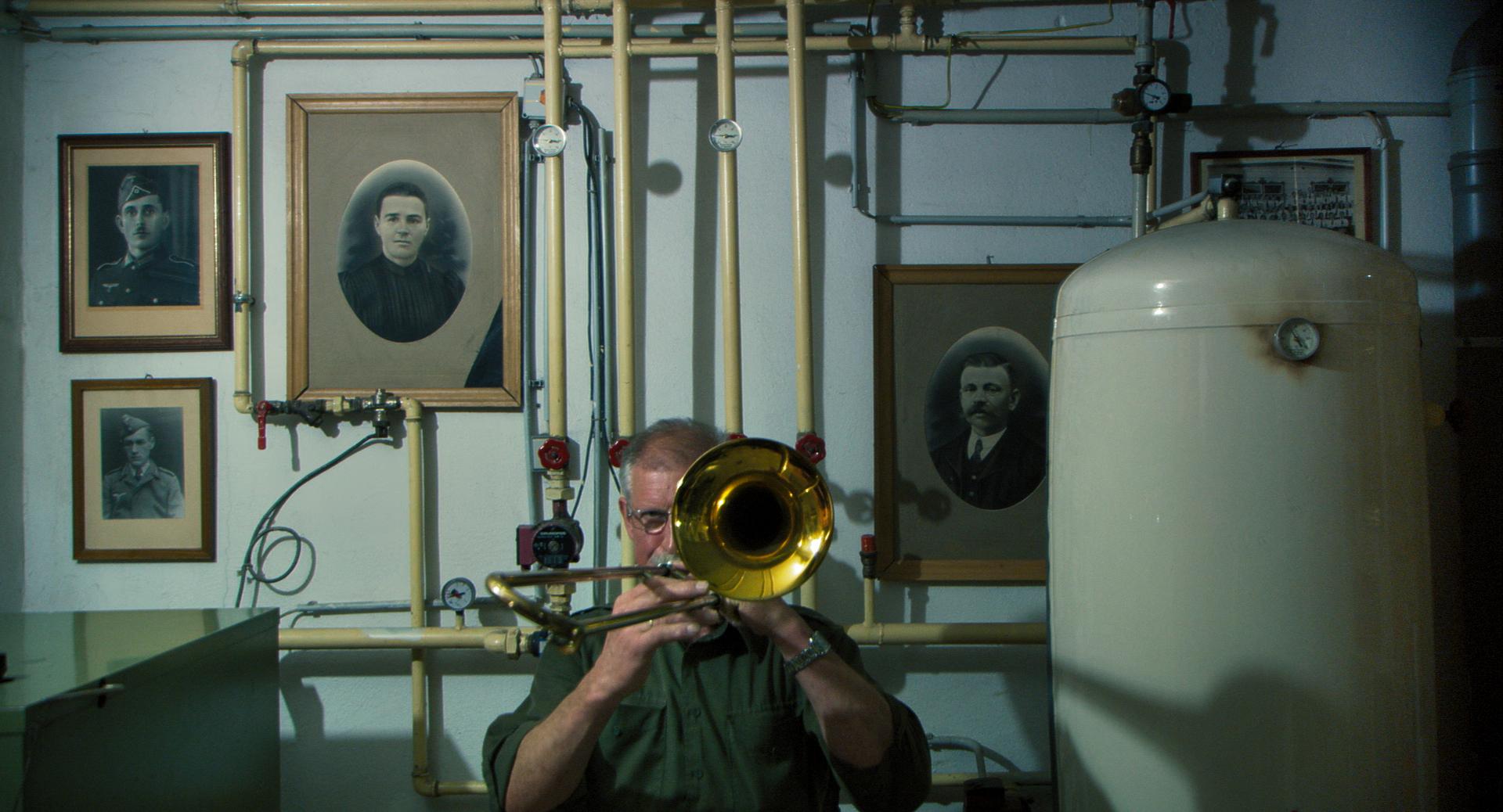 In the Basement: una scena del documentario di Ulrich Seidl