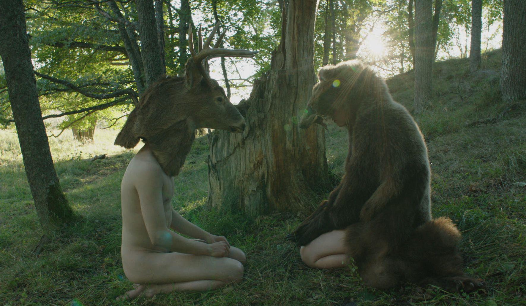 They Have Escaped: un singolare dialogo tra Roosa Söderholm e Teppo Manner nel film di J.-P. Valkeapää