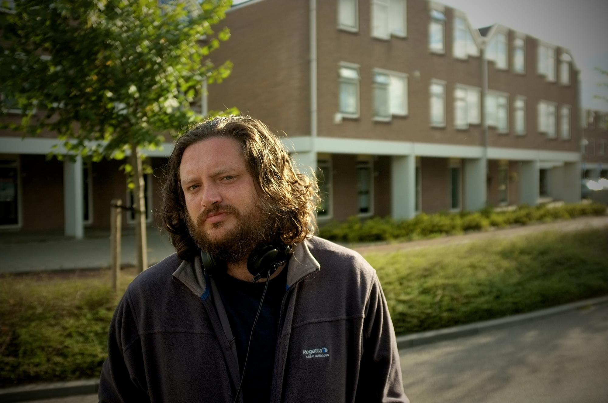 Between 10 and 12: il regista Peter Hoogendoorn sul set del suo film