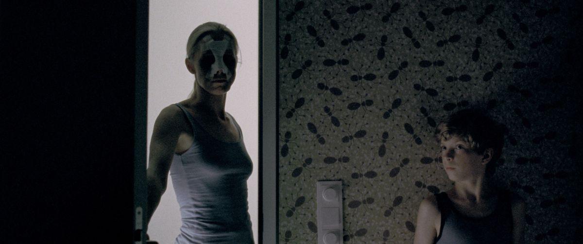 Goodnight Mommy: Susanne Wuest in una scena