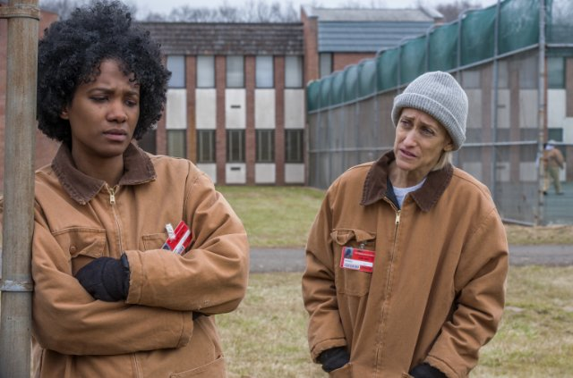 Orange Is the New Black: Constance Shulman e Vicky Jeudy in Take a Break from Your Values