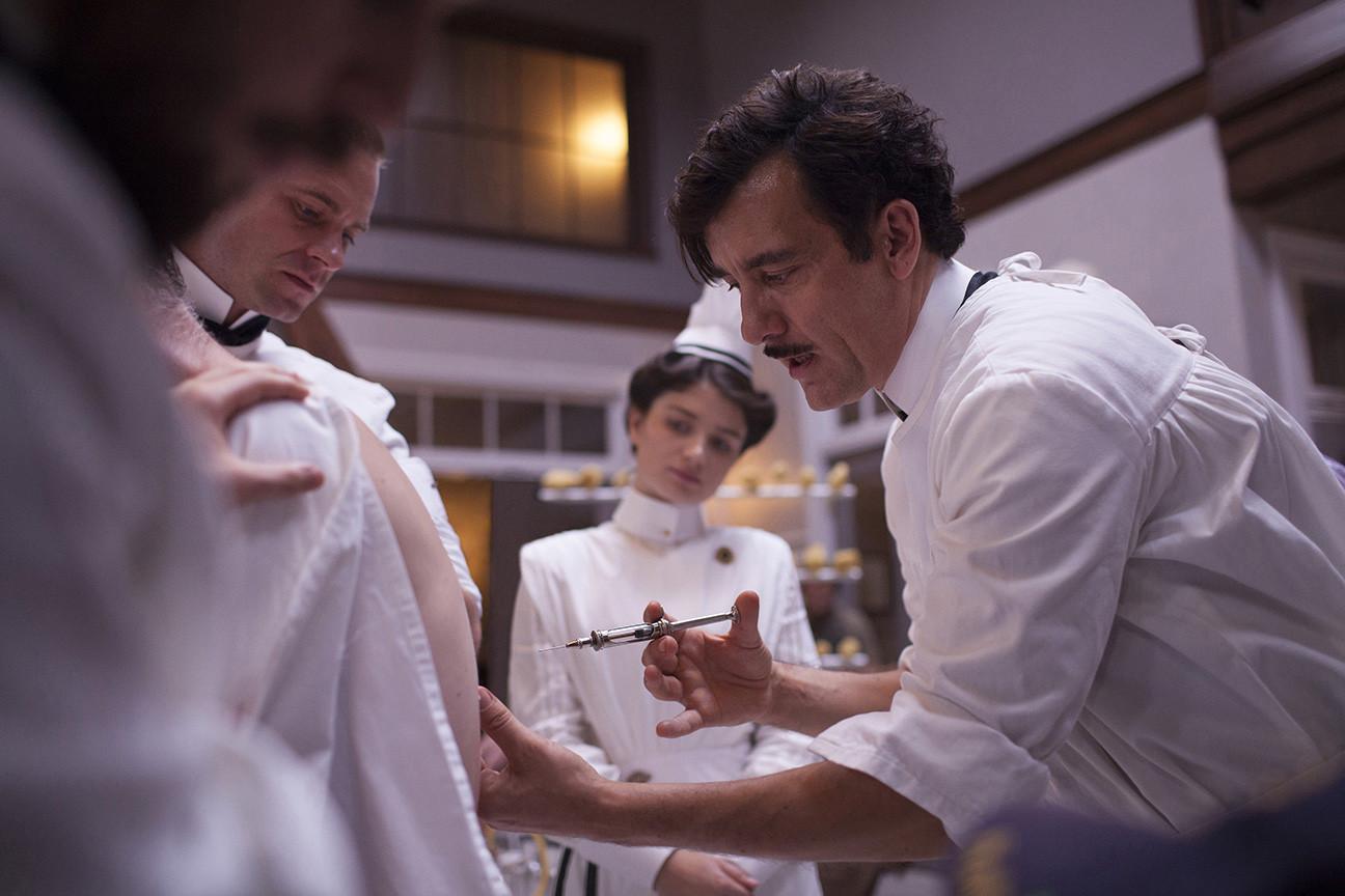 The Knick: una scena con Clive Owen nella prima stagione