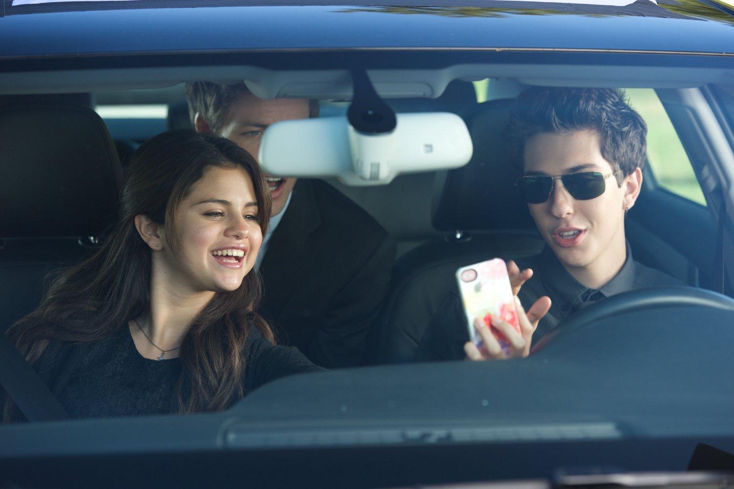 Comportamenti molto... cattivi: Selena Gomez con Nat Wolff in una scena