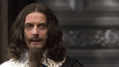 Peter Capaldi in una scena di The Devil's Whore