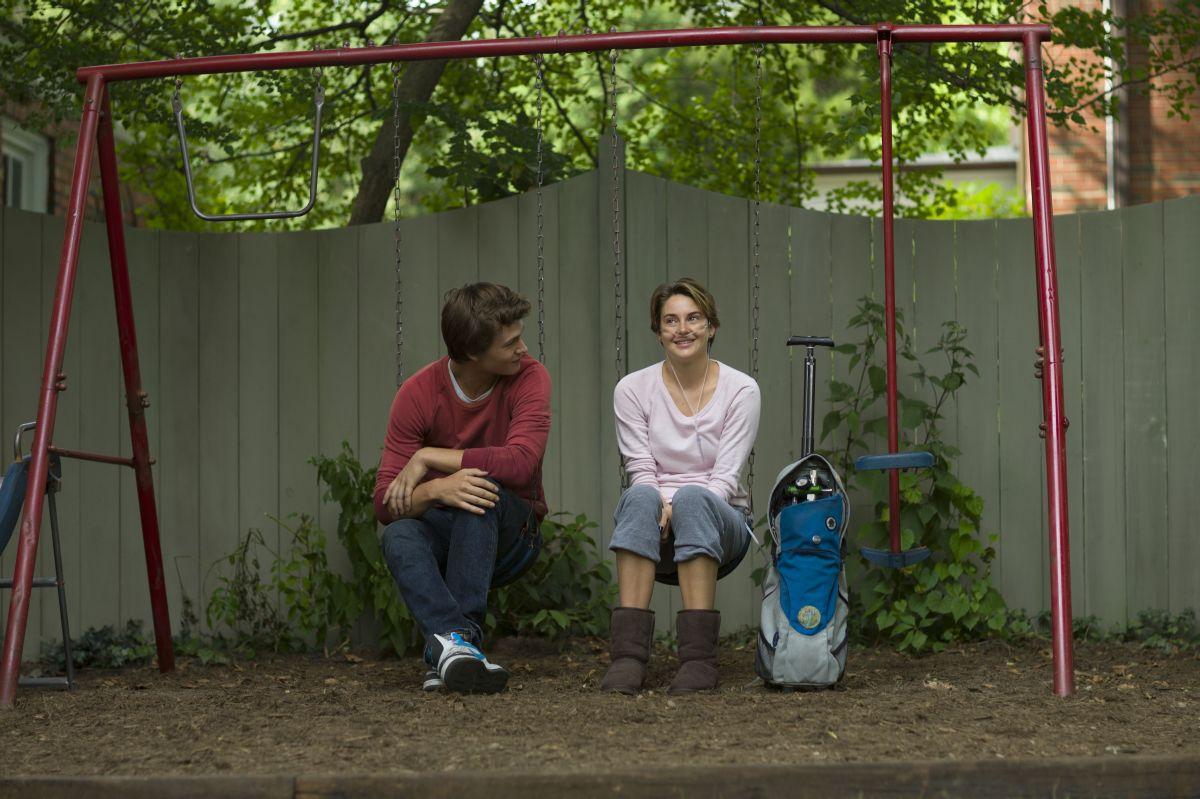 Colpa delle stelle: Shailene Woodley sull'altalena con Ansel Elgort