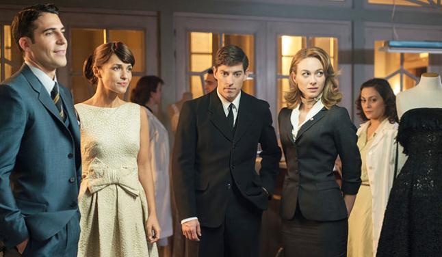 Velvet: il cast in una scena