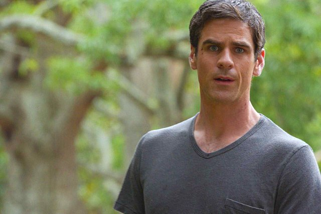 Under the Dome: Eddie Cahill nell'episodio The Red Door