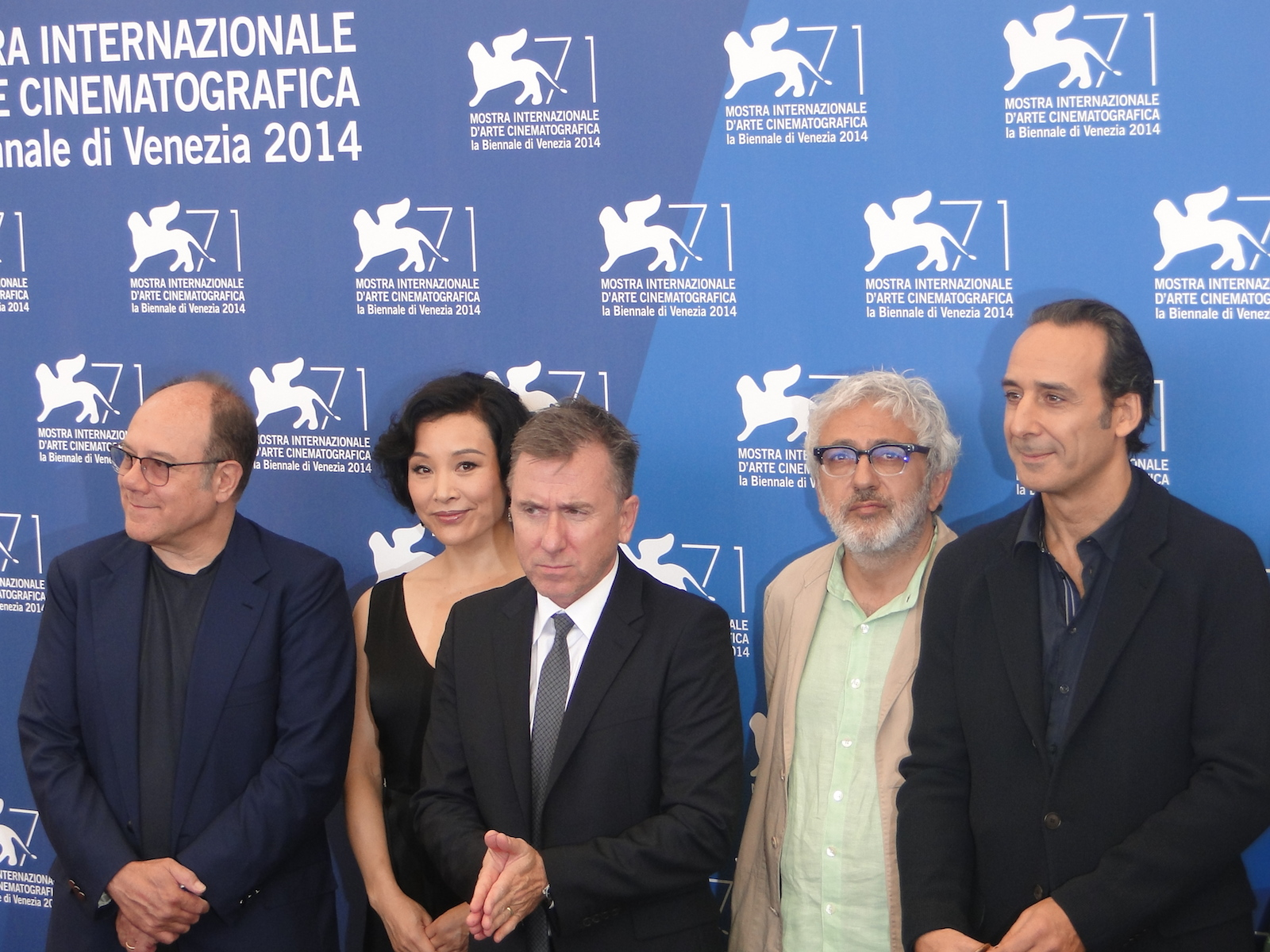 Venezia 2014: Carlo Verdone, Joan Chen, Tim Roth ed Alexandre Desplat al photocall