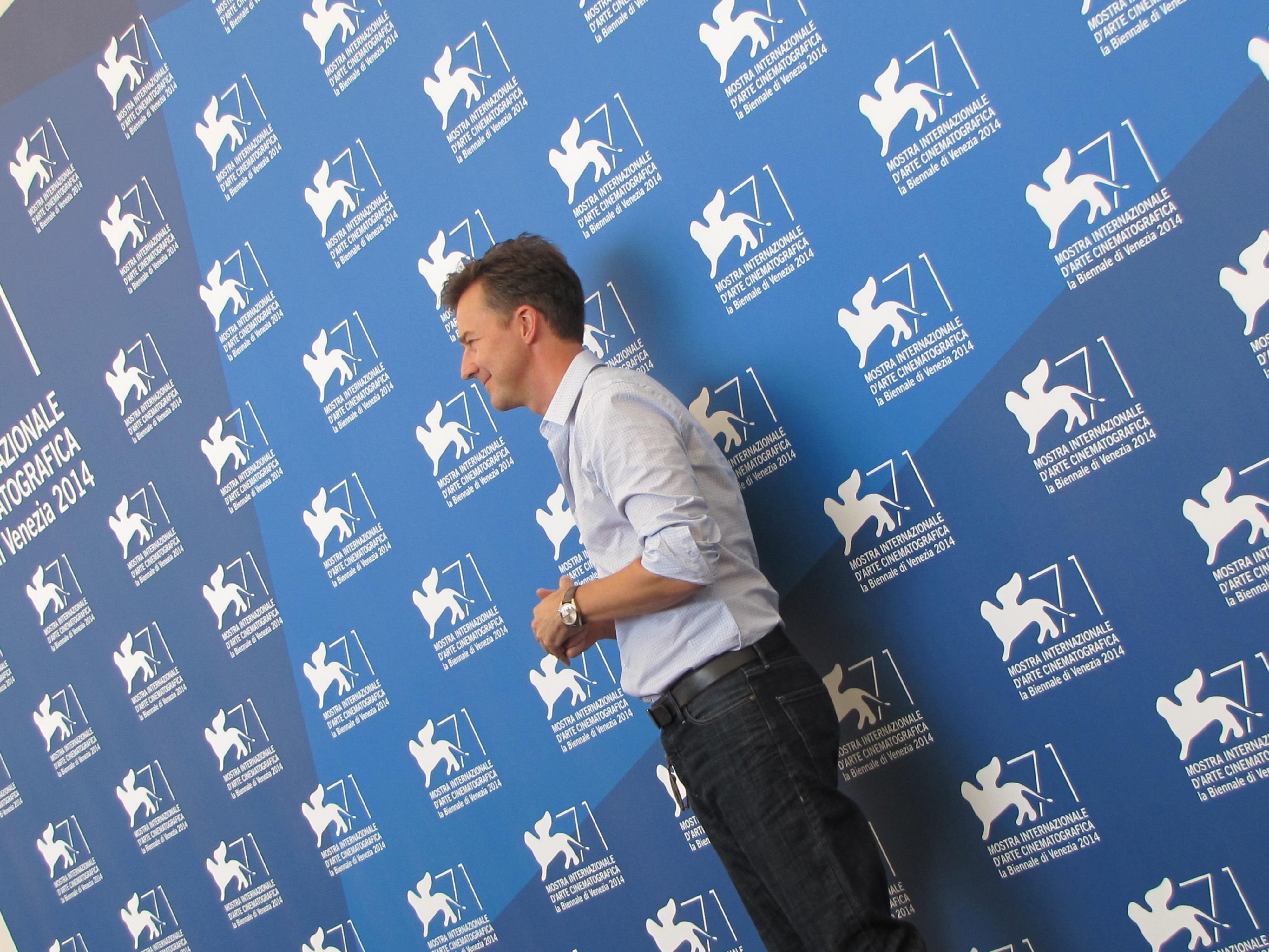 Ed Norton presenta Birdman a Venezia 71, nel 2014
