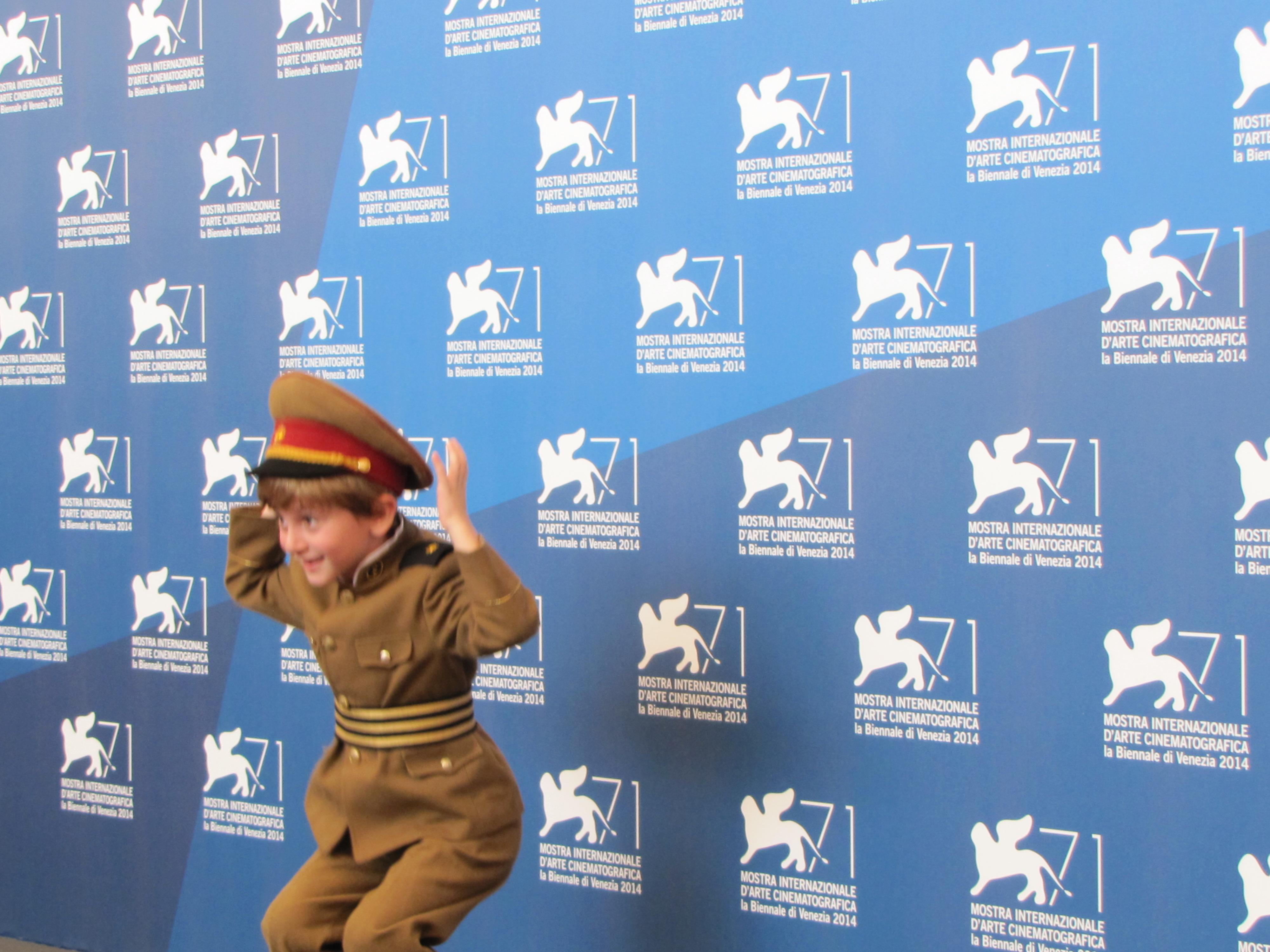 The President a Venezia 2014 - il piccolo Dachi Orvelashvili vestito da 'dittatore'