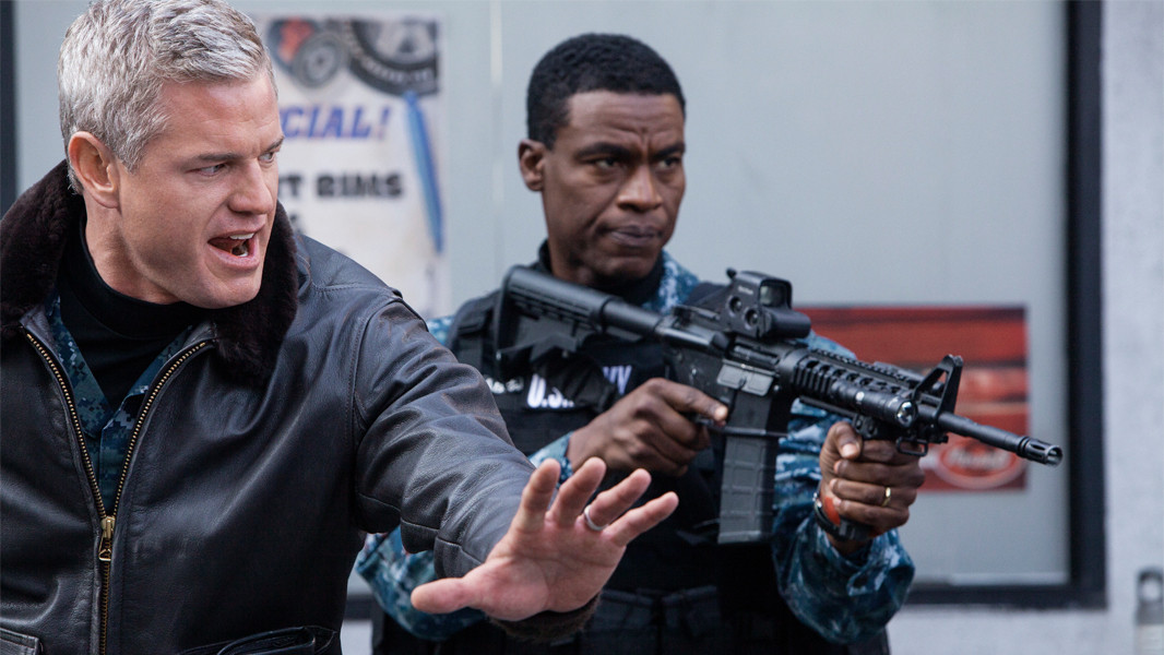 The Last Ship: Charles Parnell e Eric Dane nell'episodio No Place Like Home