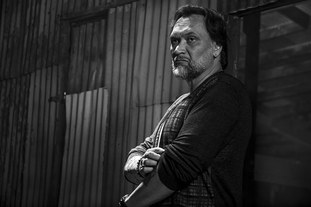Sons of Anarchy: Jimmy Smits in una foto promozionale per l'ultima stagione della serie